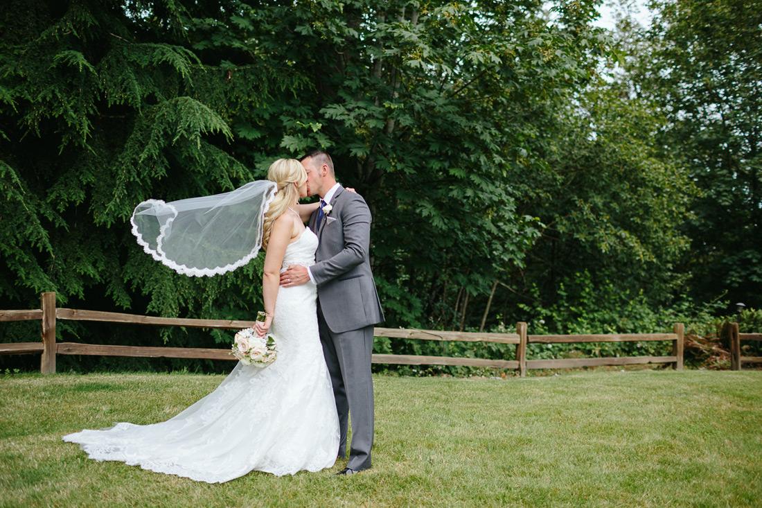 Seattle Area Wedding | Wild Rose Weddings Arlington Washington | Aimee & Kane