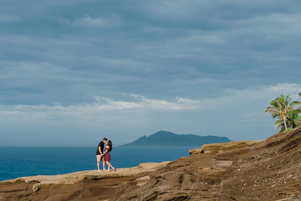 oahu-hawaii-wedding-photographer-003 Spitting Cave & Hanauma Bay Rim Trail Engagement Photos | Stephanie & Michael